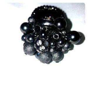 Ladies black stretchy ring